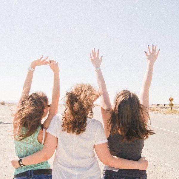 la différence entre des copains et des amis, les secrets d'une véritable amitié avec fairedesamis, site de rencontre amicale 100% gratuit
